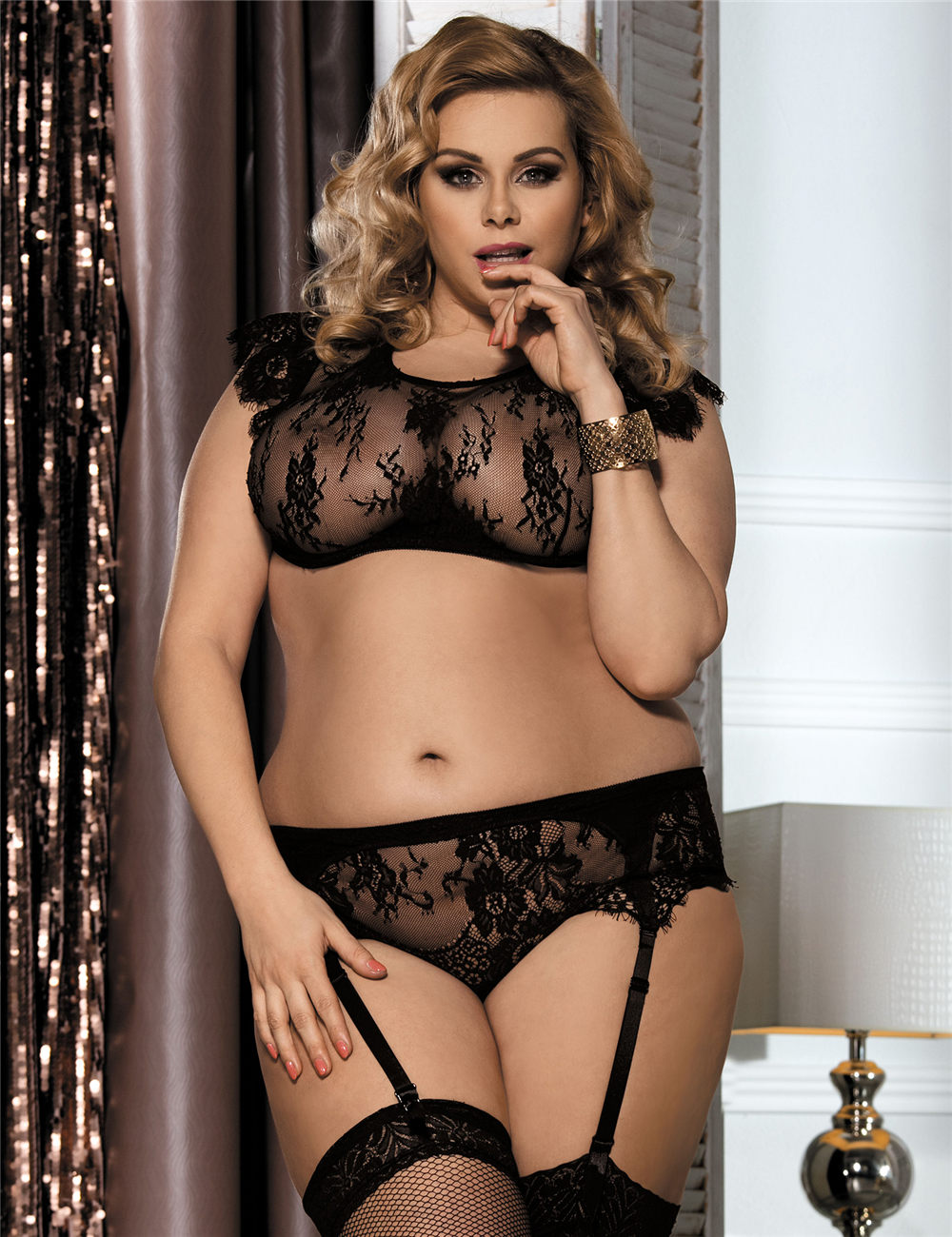 dc936a1e120 Wholesale Cheap Black Lace Halter Plus Size Bra Set